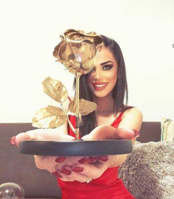 gifty golden rose customer
